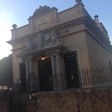 Biblioteca Almirall