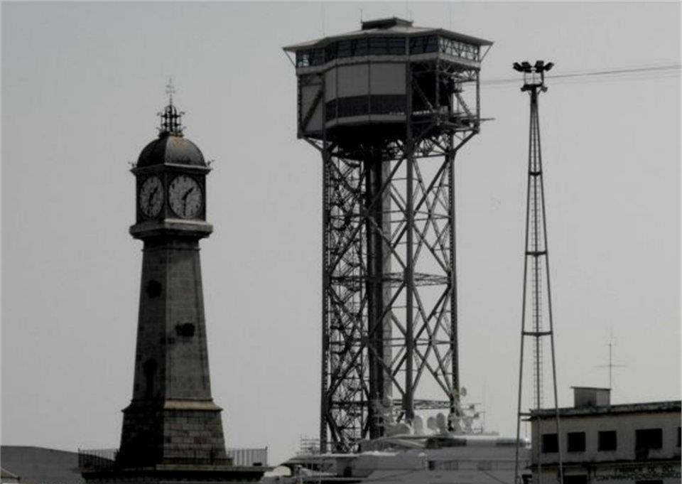 Faro y reloj
